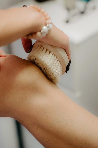doTerra suho krtačenje suho ščetkanje dry brushing